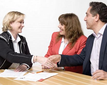 ESCAMINAL – apoyo en la planificación y el reintegro de pareja a la vida laboral como servicio de reubicación.